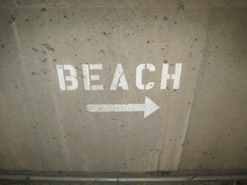 Even though the beach is to the right, i still couldn't find it. Total bummer!