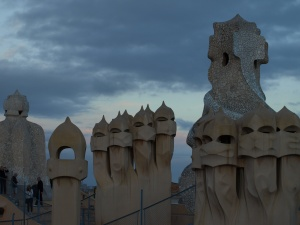 Sculptures that line the roof of Casa Mila.